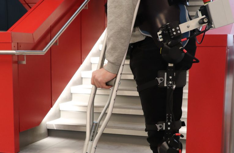 Deep learning, vision help exoskeleton adapt to its surroundings